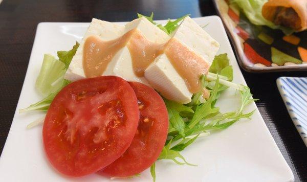 豆腐サラダと胡麻ドレッシング