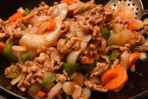 豚細切れ肉のソース炒め