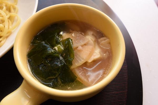 大根とわかめスープ